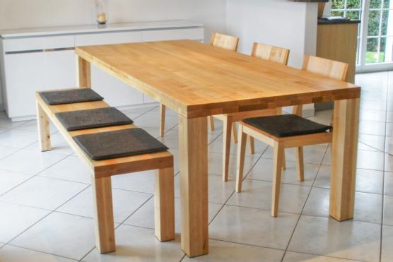Ma gefertigte tische aus hochwertigem massivholz jetzt for Tisch ahorn